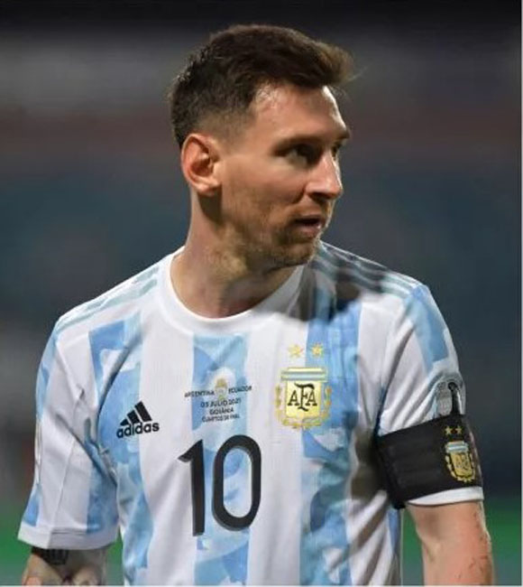 lionel messi, messi photo, messi photo after first goal against colombia at copa america semi final 2021, mesi goal video with colombia